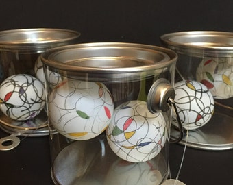 L&E Art Spheres with Can