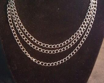 3 Chain Choker
