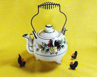 Retro Rooster Tea Pot