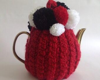 PomPom Tea Cosy -Red