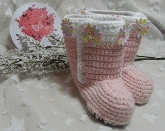 Bootee Slippers Medium (6 12 months. Heel to toe 11cm approximately)  BO1