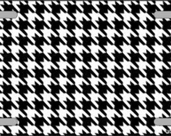 Houndstooth licene tag