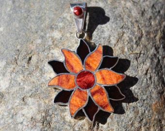 Daisy Flower silver pendant
