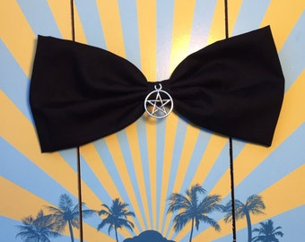 Gothic hair bow Barrette loop Pentagram witch