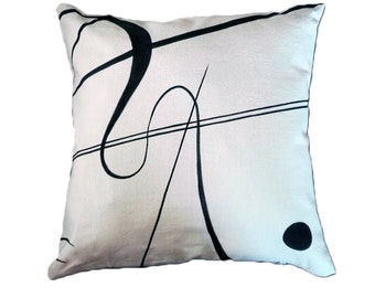 handmade and hand painted pillow inspired by Kandinsky's abstract composition. cm 40x40