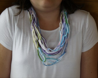 Purple mix chain link scarf.