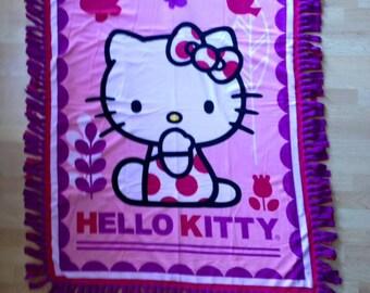 Hello Kitty No Sew Fleece Blanket