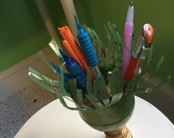 Plastic Bottle Ombre Grass Pencil Holder