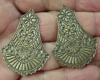 VINTAGE 2 pc Rare Large Victorian style  very nice brass stamping for pendant or earrings jewelry findings  /br1