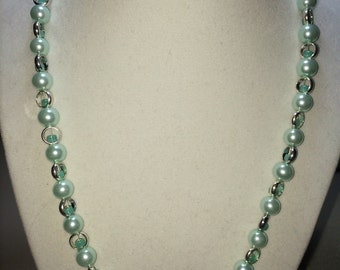 Mint pearl necklace