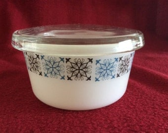 Pyrex JAJ Chelsea Margarine Pot with Lid #676