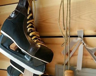 DAOUST Canadian hockey skates