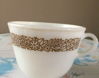 Pyrex Woodland vintage cup