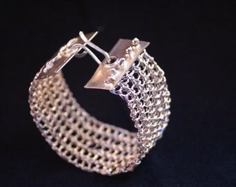 Double knit bracelet