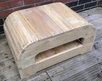 Reclaimed pallet wood unit