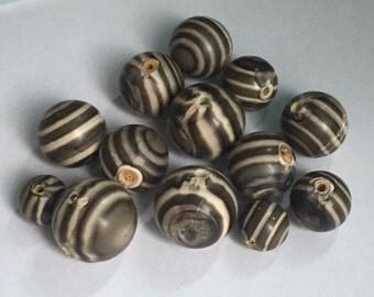 12 Vintage Striped Wood Beads