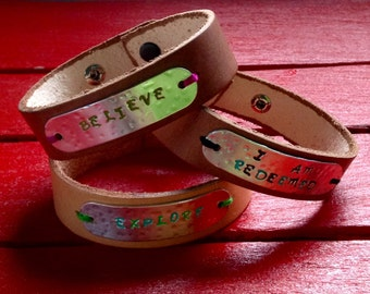 Metal Stamped Leather Cuff Bracelet//gift for her//gift for teen girls//party favors//bridesmaids gifts//custom metal stamped jewelry//cuff/