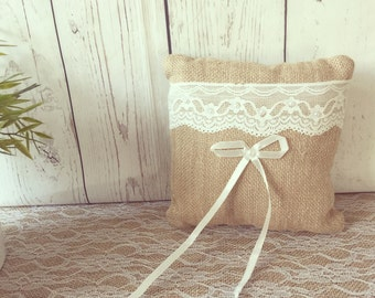 Wedding pillow Rustic Ivory/Wedding Pillow Burlap and Lace/Wedding Pillow- Country Wedding - Rustic Wedding