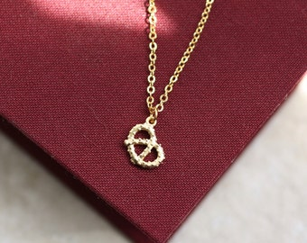 pretzel necklace, gold pretzel necklace, German necklace, gold pendant necklace, gold knot necklace