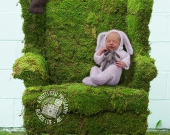 digital background for newborn and child composites of mossy chair against wall