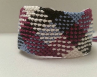 Plaid/checkered pattern friendship bracelet