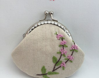 Frame purses/wallet/pouch: Embroidery, flowers