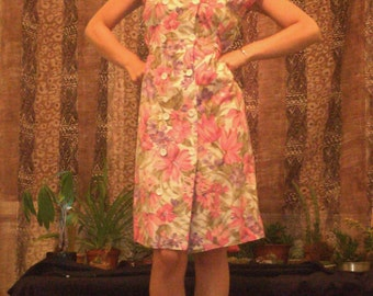 1940's Tropical floral double breasted button dress