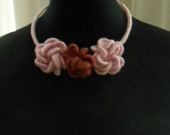 Made to order - Crochet flower necklace - Cotton crochet necklace