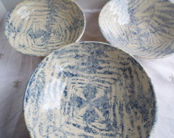 Earthy Blue & White Ceramic Nesting Bowls 8-9-10inches wth Leaf Print
