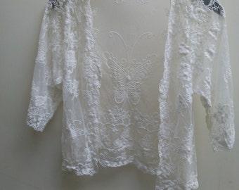 Pretty White Lace Kimono...size 8 to 10
