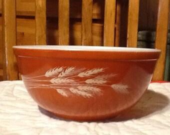 Pyrex 2.5 quart bowl