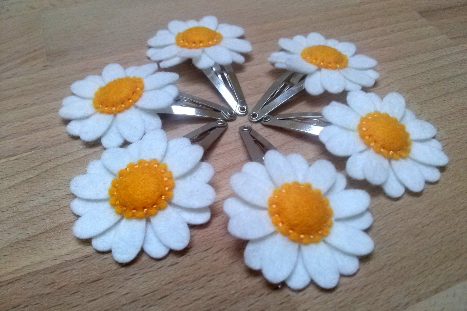 Find great deals on eBay for daisy hair clips. Shop with confidence.