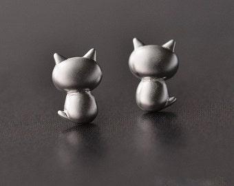 Kawaii cat earrings  silver 925