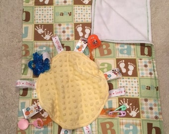New Baby Complete Gift set - Blanket-Taggie Toy-3 Burp Cloths