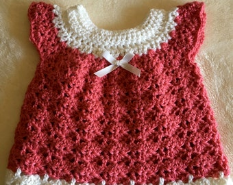 Crochet baby girl dress with bow