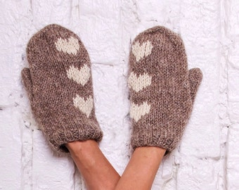 Wool mittens Knit gloves with hearts Rustic beige mittens Hearts arm warmers Hand knit mittens Winter knitted gloves Valentine's day gift