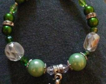 Green pearl turtle bracelet