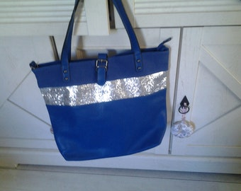 Tote has blue sequined band