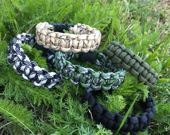 Camouflage Paracord Bracelet and uni