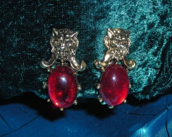 LION RED Belly Clip Earrings