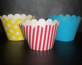 NEW! Dr. Seuss / Cat in the Hat inspired Cupcake Wrappers- birthday party, baby shower parties- (Set of 12+) Wrap your cupcakes in style!