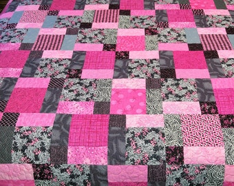 Pink and Black Squares Quilt with Green Floral Backing (018)