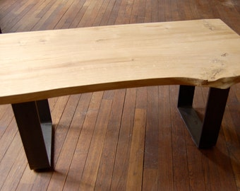 Table low wood, oak and metal