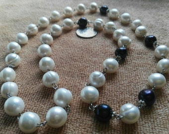 Natural black and white pearl necklaces