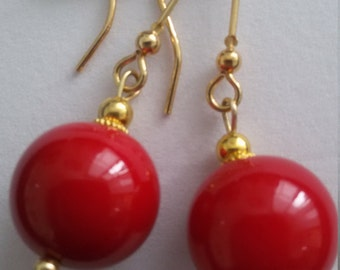 Majorcan pearls earrings available in black, red and orange or white