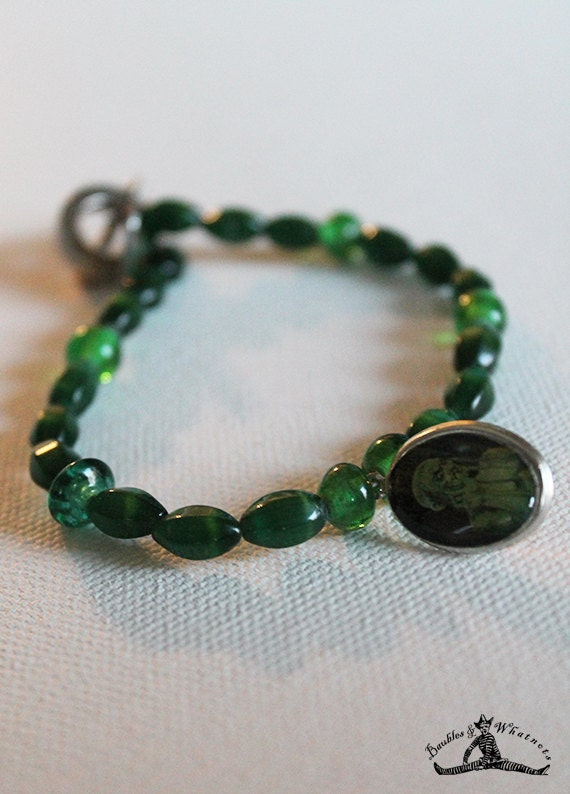 Vintage Inspired Green Glass Beaded Bracelet - Demon Charm Bracelet - Halloween Bracelet - Goth Bracelet - OOAK