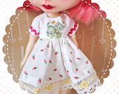 Playful Kitty / One-of-a-Kind Doll Dress for Blythe