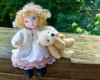 Tiny Art Doll - Goldilocks