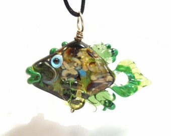 Shiny Green glass fish necklace, Lampwork Glass Beads, handmade fish focal bead, ocean bead necklace, jewelry supplies, SRAJD, CGGE