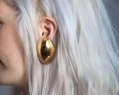 golden egg earrings / geometric earrings / round earrings / 911a